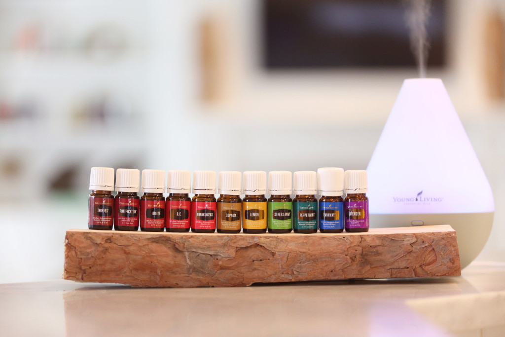 young living essential oil kit: www.claresmith.me